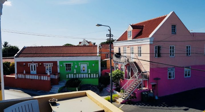 The neighborhood from the balcony upstairs  B&B La Creole Kaminda Salinja 2 Willemstad